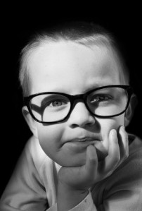 child_and_optical_glasses_208523